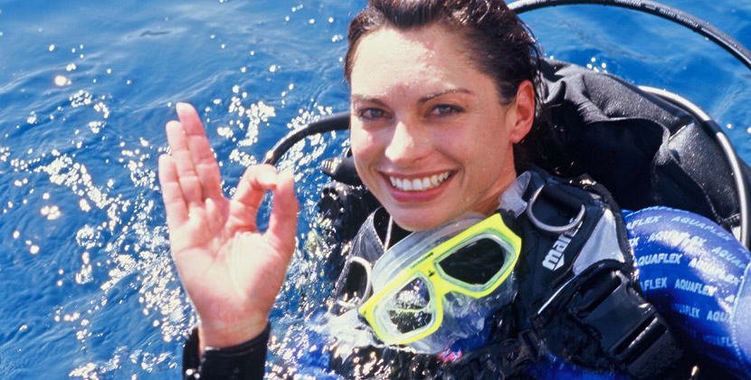 into-the-blue-diving-costa-del-sol-courses-scuba-diver